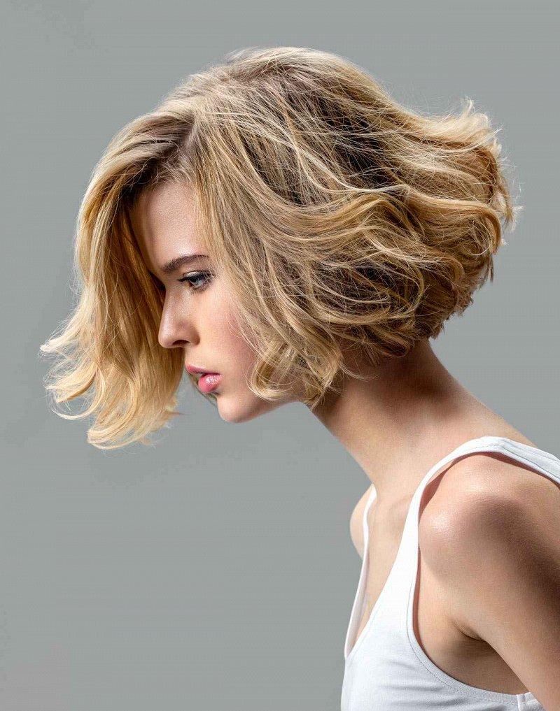 Умная стрижка 2017 на волосы средней длины 2 фото